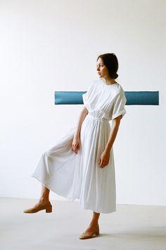 Black Crane Pleats Dress in White