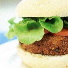 Le burger au curry est un plat végétarien qui va convaincre toute votre famille.