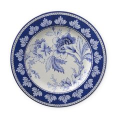Bold floral designs lend a modern touch to our durable dinnerware collection, a collaboration with style icon Aerin Lauder. Featuring a classic blue-and-white palette, these melamine salad plates are the perfect choice for outdoor entertaining, fr… Blue Dinnerware, Melamine Dinnerware, Outdoor Dinnerware, Blue And White China, Blue China, Coastal Living Rooms, Ginger Jars, Williams Sonoma, White Decor