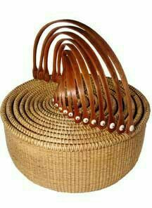 Beautiful set of nesting Nantucket baskets Old Baskets, Wicker Baskets, Woven Baskets, Nantucket Baskets, Nantucket Island, Basket Bag, Weaving Art, Basket Weaving, Rattan