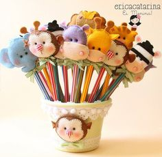 love these pencil toppers Felt Diy, Felt Crafts, Fabric Crafts, Sewing Crafts, Diy And Crafts, Sewing Projects, Crafts For Kids, Craft Projects, Projects To Try