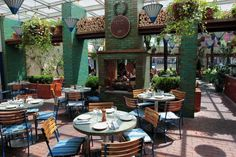 Locali con giardino per brunch a New York - Brunch al B Bar