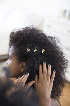 Tips + Tricks: Hair Accessories with VaVa Voom Curls - Urban Outfitters - Blog