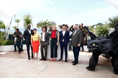 Kit Harington Photos Photos - (L-R) Actors Djimon Hounsou, America Ferrera, Kit Harington, Cate Blanchett, Jay Baruchel and director Dean DeBlois attend the 'How To Train Your Dragon 2' photocall during the 67th Annual Cannes Film Festival on May 16, 2014 in Cannes, France. - 'How to Train Your Dragon 2' Photo Call