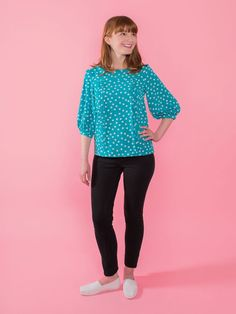 Mathilde printed sewing pattern. Learn to sew a blouse with the Tilly and the Buttons easy instructions. Sewing project for DIY dressmakers.
