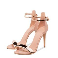Pearl Sandals, Luxury Shoes, Footwear, Boutique, Pearls, Bracelets, Leather, Fashion, Moda