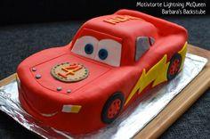 Barbara's Backstube: Lightning McQueen Torte (Mandelbiskuit mit Beerenfüllung)  Dieses Rezept klappt super. Alles ist auch für den Laien beschrieben. Selbst ausprobiert 😏