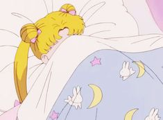 25 sogns you are actually Sailor Moon in real life:  Getting out of bed is often the hardest part of your day.