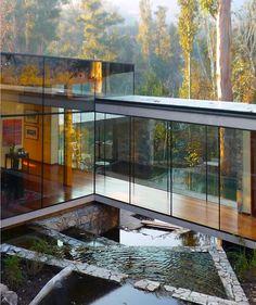 CASA LO CURRO: Santiago, Chile. Designed by Schmidt Arquitectos Asociados, 2007-2009.