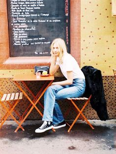 Model Michaëla Thomsen has an Instagram feed full of covetable fashion pieces, but it's how she wears jeans and a T-shirt that has us following. | @andwhatelse