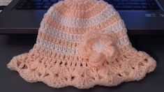 How to crochet baby . childs hat for summer (tambien en Espanol). In this video you will learn how to crochet this summer hat for your baby or child. This is quick and easy and looks super cute. The easy design features a pretty brim. Worked in cotton Crochet Toddler, Crochet Baby Hats, Crochet Beanie, Cute Crochet, Crochet For Kids, Baby Knitting, Learn Crochet, Crochet Summer, Crochet Hat Tutorial