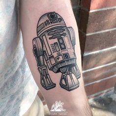 Or a friend from a galaxy far, far away. | 49 Bloody Brilliant Black And Grey Tattoo Ideas