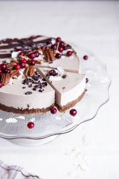 More raw vegan desserts, vegan raw, vegan christmas desserts, raw vegan Raw Vegan Cake, Raw Vegan Desserts, Raw Cake, Vegan Treats, Raw Food Recipes, Dessert Recipes, Vegan Raw, Raw Vegan Cheesecake, Healthy Recipes