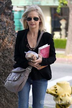SMG March 29, 2013 in West Hollywood hair salon leaving LA.