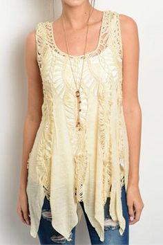 Chaleco cerrado boho de crochet calado con picos color beige
