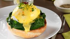 A perfect weekend breakfast or brunch. This Eggs Florentine consists of poached eggs and spinach, cooked with Knorr Vegetable Stock Pot and served on a toasted Egg Recipes, Dinner Recipes, Florentines Recipe, Eggs Florentine, Cheesy Rice, French Crepes, Breakfast Items, Vegetarian Cooking, Yummy Recipes