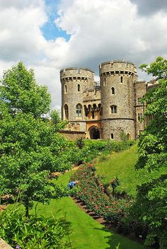 Windsor Castle,Berkshire,UK. Wonderful things to do in the South England. Click here: http://www.adventuretravelshop.co.uk/things-to-do-in-england/