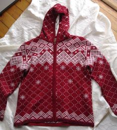 ac3718e5 Womens KAMA Czech Knitwear Large Full Zip Jacket Sweater Holiday Red White  Hood
