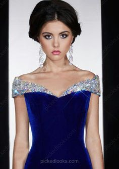 View the unique prom dresses Canada, 2019 prom dresses Canada at pickedresses. Shop our latest 2019 prom dresses with comfortable material and unique designs. Prom Dresses Canada, Cheap Prom Dresses Online, Discount Prom Dresses, Junior Prom Dresses, Unique Prom Dresses, Prom Dresses For Sale, Ball Dresses, Ball Gowns, Evening Dresses
