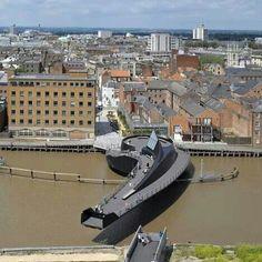 Moving bridge, Hull, England