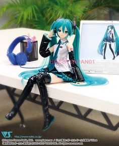 LIMITED EDITION Volks Dollfie Dream DD Miku Hatsune Doll Figure 100% Authentic! - I MUST OWN THIS!!!