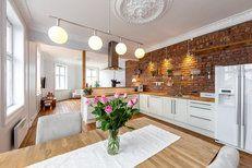 Liker godt teglstein bak kjøkkenbenk
