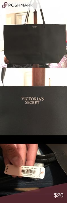 NWT Victoria secret tote NWT. FREE WITH PURCHASE OF GREY VS ZIP UP IN LISTINGS Victoria's Secret Bags Totes