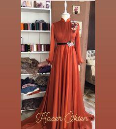 Beautiful Prom Dresses, Elegant Dresses, Formal Dresses, Muslim Fashion, Hijab Fashion, Fashion Outfits, Hijab Evening Dress, Hijab Chic, Bridesmaid Dresses
