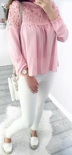 #summer #outfits Pink Lace Blouse + White Skinny Jeans 💗💕