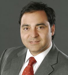 Gustavo Manén es editor de política y presentador del programa Nuevas Voces de CNN Chile.