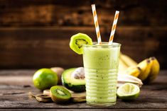 Avocado Smoothie, Fruit Smoothies, Kiwi, Engagement Ring Cuts, Ethnic Recipes, Food, Sport, Diet, Pineapple