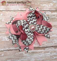 Arco del pelo de Chevron rosa y plata juego por PheePheeBowtique