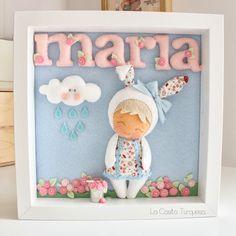 María y la señorita Moneypenny Baby Crafts, Felt Crafts, Diy And Crafts, Crafts For Kids, Cuadros Diy, Felt Name Banner, Little Girl Toys, Cute Frames, Box Frames
