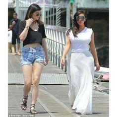 Kylie jenner and kim kardashian family vacay in thailand 2014