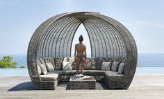 Беседка SPARTAN - одна из наших любимых моделей. Всегда на складе в Москве. Мебель выполнена из синтетического волокна REHAU, на алюминиевом каркасе. Модель дополнена подушками со съемными чехлами, из ткани SUNBRELLA #sunbrella  #skylinedesign #skldesign #skldr #outdoorfurniture #уличнаямебель #мебельизискусственногоротанга #садоваямебель #мебельдлягостиницы #мебельдляресторана #мебельдляулицы #sunbrella #horeca #хорека #rehau #мебельизротанга #мебельдлясада #лежак #дизайнинтерьера…