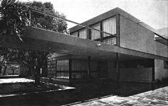 Fachada principal, Casa González de Cosío, Iztaccíhuatl 81, Florida, Álvaro Obregón, México DF 1954  Arq. Manuel González Rul -  Main facade, Casa Gonzalez de Cosio, Iztaccihuati 81, Florida, Alvaro Obregon, Mexico City 1954