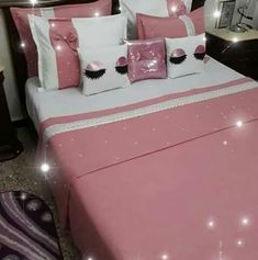 Fabric Paint Designs, Dream Bedroom, Bed Covers, Decoration, Bed Sheets, Bedroom Decor, Scrapbook, Throw Pillows, Blanket