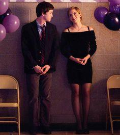 Charlie and Sam. Logan Lerman and Emma Watson. The Perks of Being a Wallflower. Beautiful movie.