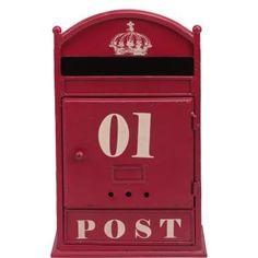Wenn der Postmann dreimal klingelt, laufen Sie zum roten Message for You-Briefkasten, um Postkarten aus aller Welt, Briefe von Freunden und andere erfreuliche Post mit vielen guten Nachrichten zu lesen. Im Vintage-Look.