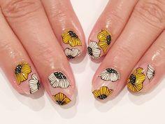 New Nail Art, Cute Nail Art, Beautiful Nail Art, Asian Nail Art, Asian Nails, Diy Nail Designs, Nail Polish Designs, Sunflower Nail Art, Luv Nails