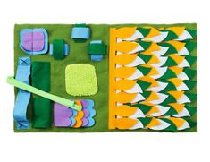 IFOYO Dog Feeding Mat Dog Snuffle Mat Small Dog Training Pad Pet Nose Work Blanket Non Slip Pet Activity Mat for Foraging Skill Stress Release S Green * Be sure to check out this awesome product. (This is an affiliate link) Dog Training Pads, Training Your Dog, Large Dogs, Small Dogs, Puzzle Mat, Activity Mat, Release Stress, Dog Activities, Cat Feeding