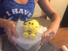 ▶ How to make Little Miss Sunshine from fondant - YouTube