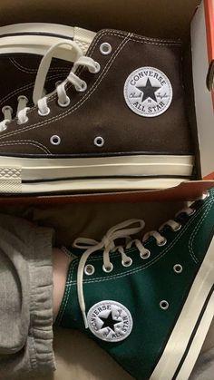 Converse Verte, Mode Converse, Converse Chuck Taylor All Star, Converse All Star, Converse Vintage, Dark Green Converse, Converse Hightops, Galaxy Converse, Designer Shoes