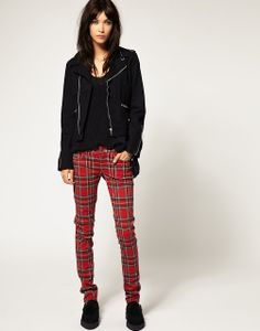 TRIPP NYC plaid jeans Super urban and cute red plaid pants. Looks cute with anything :) Tripp nyc Pants Red Plaid Pants, Plaid Pants Outfit, Plaid Jeans, Punk Fashion, Fashion Pants, Fashion Outfits, Fashion Ideas, Cool Style, My Style