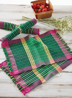 All you need is a pick-up stick or two to create wonderful weaving like Tammy Bast's Flowers in Spring Placemats on a rigid-heddle loom. These springy rigid heddle placemats, featured in Easy Weaving with Little Looms 2018, use pick-up to create the illusion of bright pink and yellow flowers on a field of green. This field is surrounded on all sides by plain weave—something not as easily done with multishaft loom-manipulated patterning techniques.