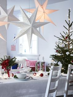 Ikea's VINTER collection is inspired by modern ways of celebrating the festive season Christmas Toilet Paper, Ikea Christmas, Christmas Trends, Christmas House Decorations Inside, Decoration Ikea, Decor Diy, Deco Table Noel, Ikea Usa, Christmas Table Settings