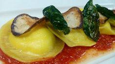 El Chef Fabio Morisi (de la Academia MasterChef) preparó el pasado Miércoles para el programa España Directo unos Raviolis Rellenos de Burrata con Salsa de Tómate y Albahaca en las cocinas de La Misión. Aquí puedes verlo y apuntar esta fantástica receta.