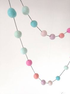 Unicorn garland to match your little girl's unicorn themed room! Unicorn Themed Room, Unicorn Rooms, Unicorn Bedroom, Unicorn Birthday, Unicorn Party, Rainbow Unicorn, Bedroom Themes, Nursery Themes, Girls Bedroom