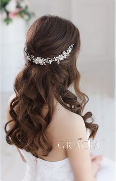 Use This Astounding Bridal Hair Accessory as a Headband or Flower Crowns #topgraciawedding #bridal #hairaccessory #headband #flowercrown #hairflower #weddinghair