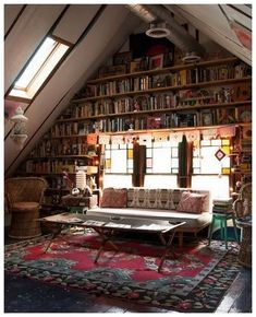20 Creative Attic Library For Function Room If your house happen to have attic, then you are lucky. The attic space as you get the added bonus of extra mileage to move upwards Attic Library, Dream Library, Library Wall, Cozy Library, Beautiful Library, Future Library, Reading Library, Home Design, Interior Design